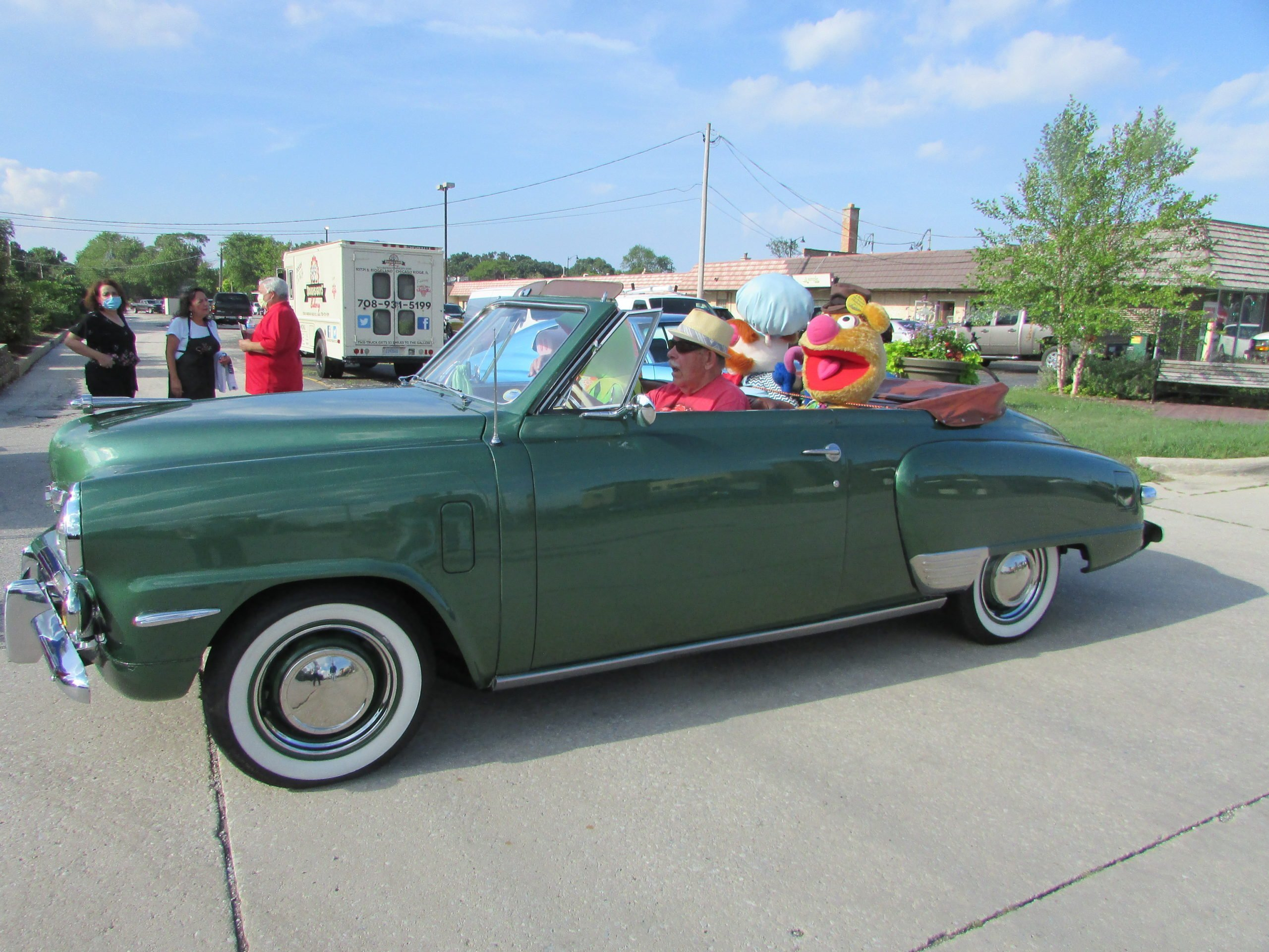 Car show cruise night wows em in Palos Heights –