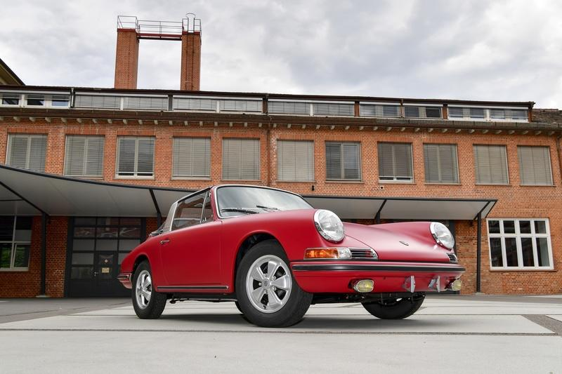 This 1967 Porsche 911 S Targa Has Been Restored To Perfection - image 958607
