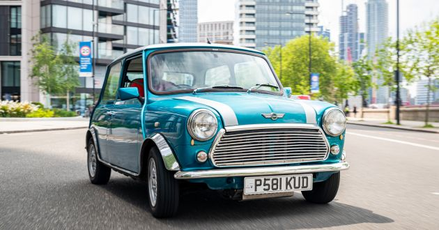 Classic Mini converted to an EV with Nissan Leaf tech