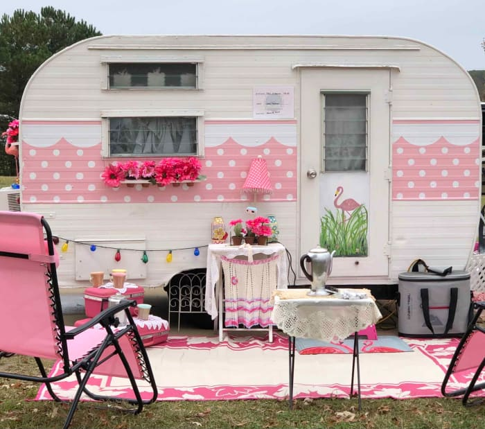 Vintage Camper Club at Home on The Road